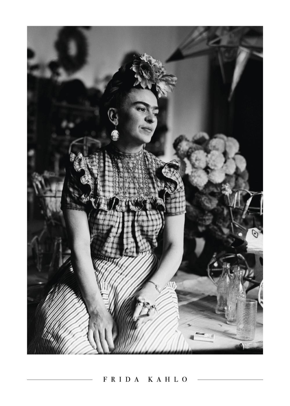 Billede af Smoking Frida Kahlo - Frida Kahlo fotoplakat