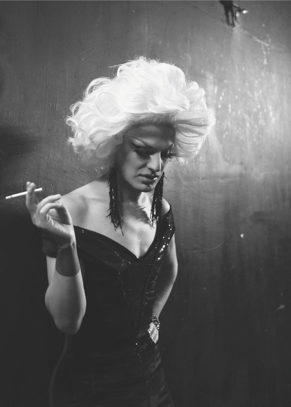 Billede af Smoking drag - LGBT plakat